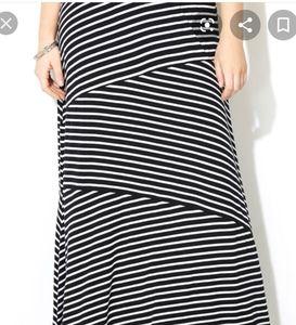 🆕️Avenue black maxi skirt with white stripes